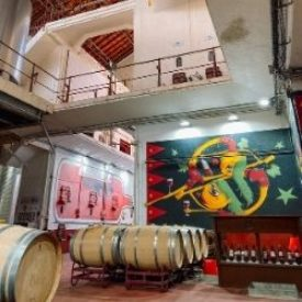 L'Art en Cave quand l'Art rencontre le vin.